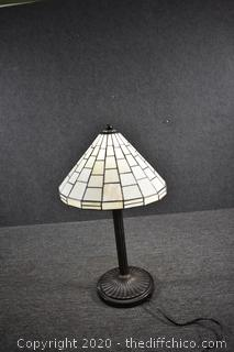 Working Stain Glass Lamp w/shade