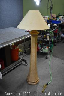 Working Floor Lamp w/shade