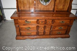 2 Piece 9 Drawer Dresser w/Etched Mirror