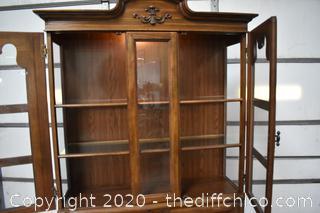 1 Piece Hutch w/Working Lights plus 2 Glass Shelves
