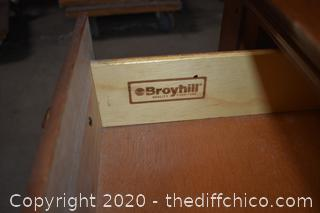 Broyhill Night Stand / End Table