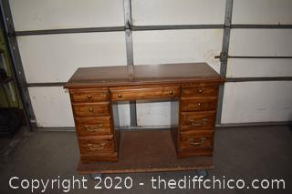 Desk w/drawers