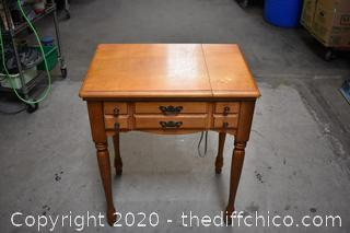 Working Singer Sewing Machine Model 457 w/Cabinet