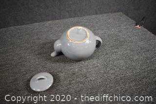 Tea Pot - chip see picture