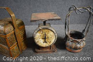 Mixed Lot of Vintage Items