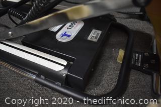 Working Furniss Model 1850 Knee CPM Machine