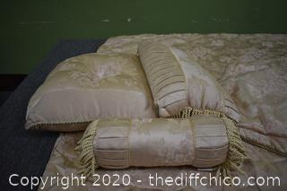 Comforter, 3 Pillows and 2 Shams