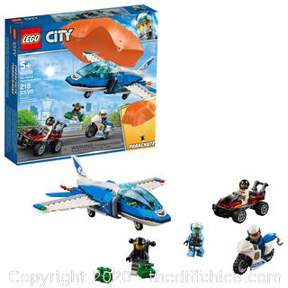 NEW SEALED LEGO City Police Sky Police Parachute Arrest 60208 Police Jet Toy