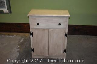 Cabinet w/drawer & storage