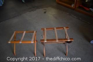 2 Folding Luggage Holders