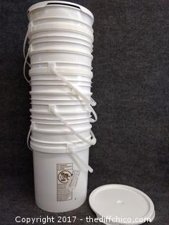 5 Gallon Buckets with Lids (7)