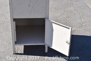 Metal Flip Top Cabinet
