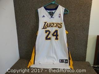 "#24 Bryant ""Lakers"" Jersey Size Large"