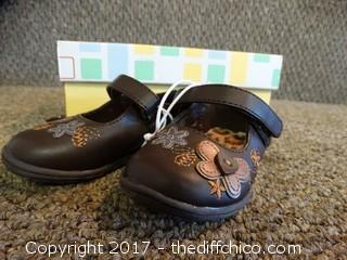 Wonder Shoes Kids Size 4