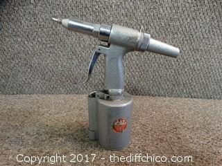 Pneumatic Riveter Mac