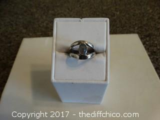 Size 7 Silver Ring With Stone