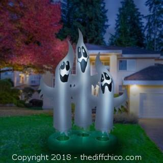 Holidayana 10 Foot Tall Ghost FamilyTrio (0015)