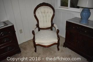 White Parlor Chair-Excellent Condition