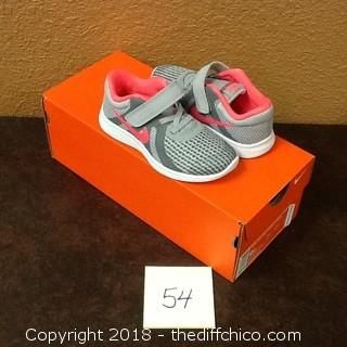 new girls Nike shoes
