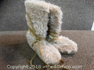Bear Paw Boots Size 7-8
