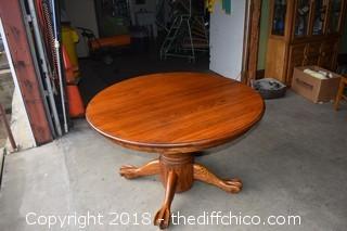 Oak Round Table w/Leaf