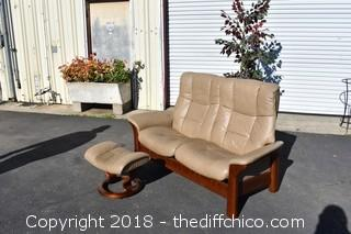 Stressless Leather Love Seat Recliner w/Ottoman