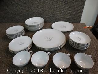 35 Piece China Set