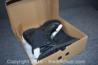 NIB Danner Boots Size 9 1/2