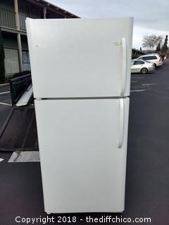 "Working Refrigerator - 29.5"" x 31"" x 68"""