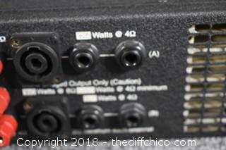 World Tour 1250 David Eden Bass Guitar Amplifer-Powers Up