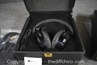 HifiMan Head Set & Oppo Head Phone Amplifier w/Remote-Powers Up