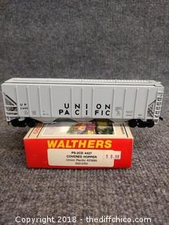 Walthers PS-2CD 4427 Covered Hopper Union Pacific #21695 932-5701 - NEW IN BOX