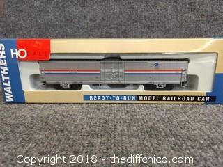 Walthers 60' Material Handling Car Amtrak-Ph 932-6022 - NIB