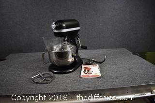 Working Kitchen Aid Pro 600 w/Accessories