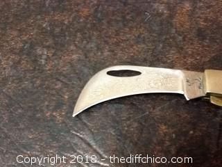new white tail pocket knife