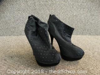 Womens Black Heels  Size 5 1/2