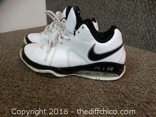 Nike Air Shoes Size 8