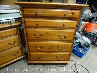 "5 Drawer Dresser Knotty Pine T-49"" W-38"" D-18"""