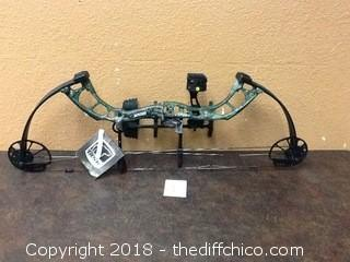 Brand new Bear Cruzer G2 real tree Compound Bow