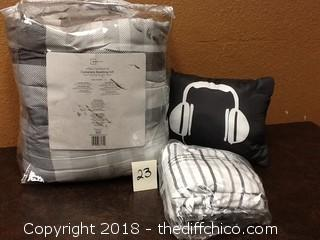 bedding set with pillow