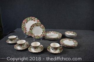 Set for 4 - 20 Pieces Nikko Precious Pattern Dishes