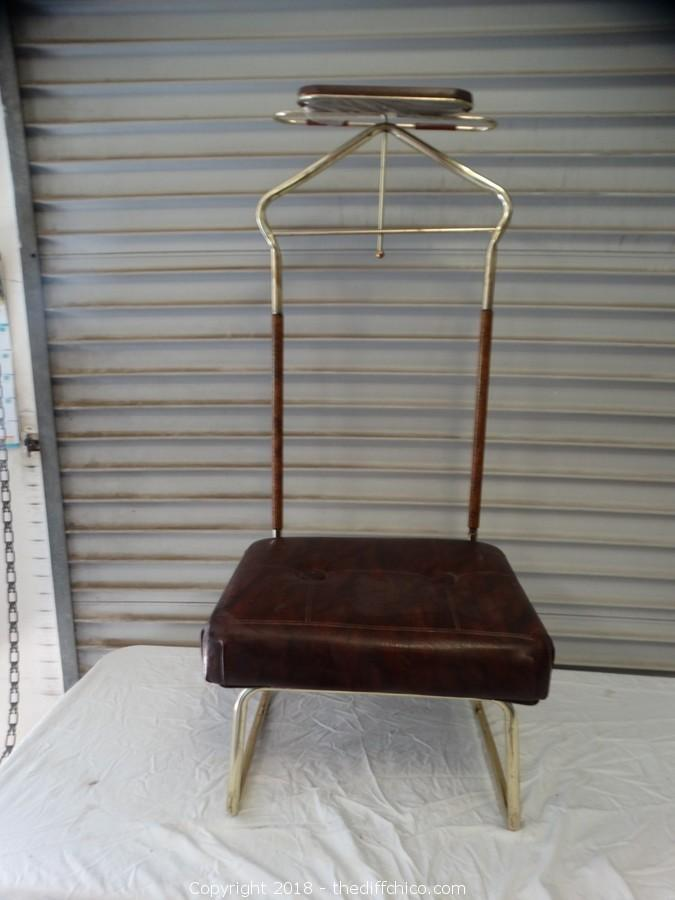 0a1c7e1af10 The Difference - Auction  Storage Treasure Auction House (CLICK HERE TO OPEN  AUCTION) ITEM  Gentle Mens Chair 43 1 2 x 19