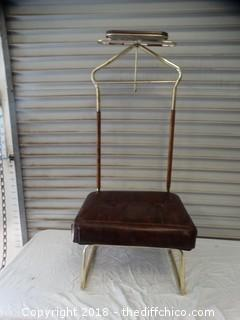 Gentle Mens Chair 43 1/2 x 19
