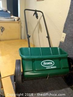 Scotts 1000 Seed Spreader
