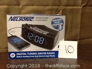 New nelsonic clock radio with USB