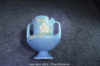 Roseville White Rose Urn/Vase Pottery 146-6