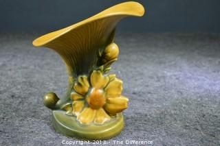 Roseville Peony Cornucopia Pottery 170-6